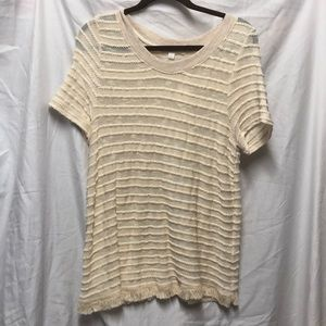 Crew neck short sleeved top with fringe